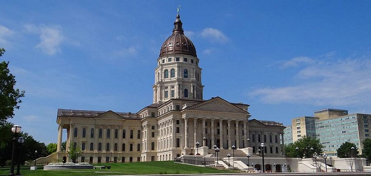 long distance interstate moving companies in Topeka